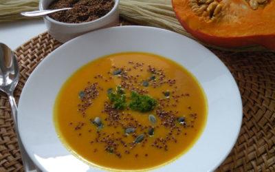 Dýňová polévka s klíčenou quinou